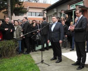 vucic i milanovic ispred ambulante-svilajnac-g.j.